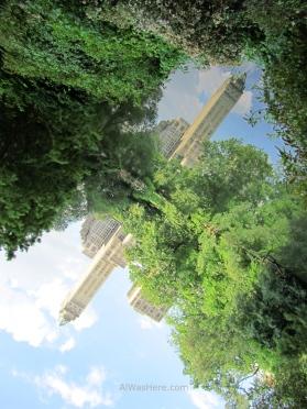 Desde el Pond se puede conseguir un espectacular reflejo del Hotel The Pierre