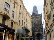 La torre o Puerta de la Pólvora