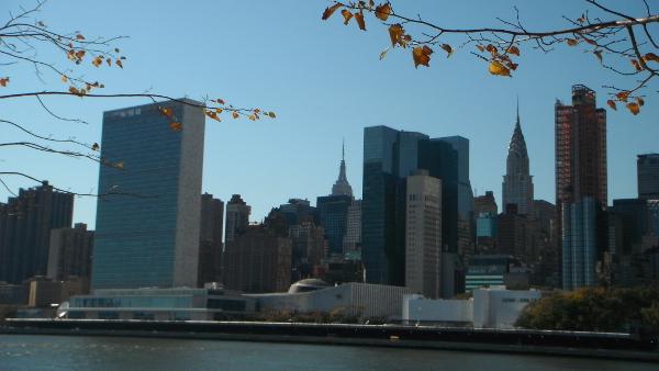 2013-09 Vista del Upper East Side desde Roosevelt Island