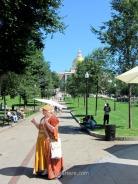Una guía turística al inicio del Freedom Trail