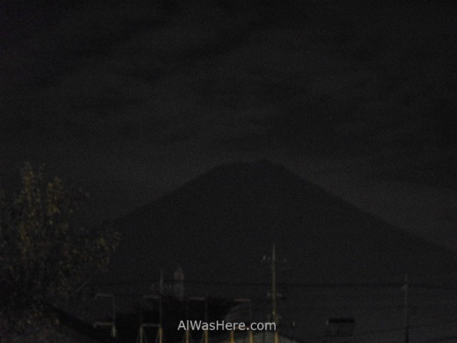 monte-fuji-fujiyama-de-noche-desde-kawaguchiko-japon-mount-fuji-at-night-japan