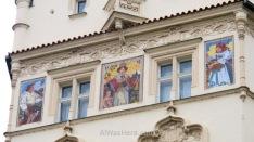 Pinturas en una fachada