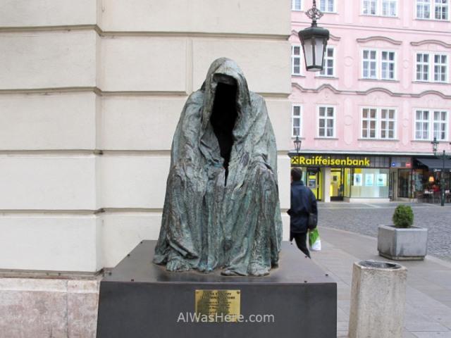 Praga Stare Mesto Prague Comendatore statue estatua