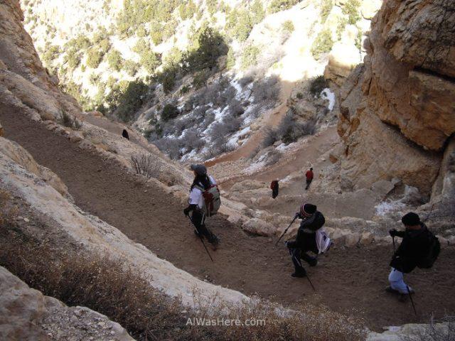 Senderistas en el sendero Sur Kaibab
