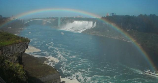 Arco iris y el puente arco iris