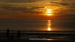 Jimbaran es un buen lugar para ver la puesta de sol
