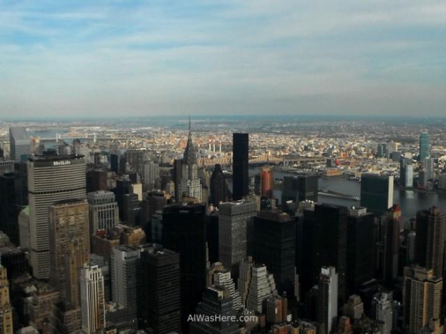 vista-hacia-el-este-en-el-centro-de-la-imagen-se-ve-el-edificio-chrysler