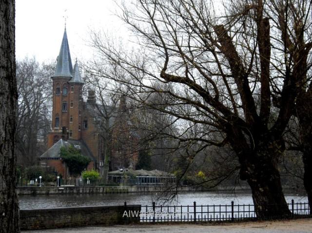 1-1-el-canal-que-rodea-el-centro-historico-brujas-belgica-historical-center-bruges-belgium