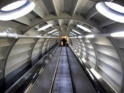 escalera-mecanica-interior-atomium-bruselas-belgica-brussels-belgium-escalator-inside