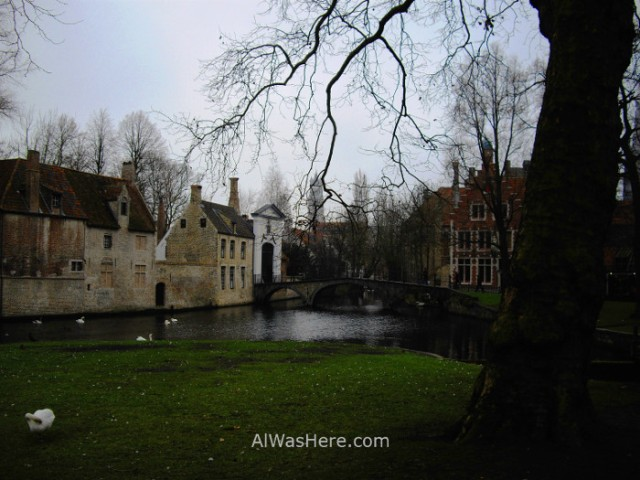 6-puente-norte-beguinage-begijnhof-y-centro-historico-desde-el-minnewaterpark-brujas-belgica-north-bridge-historical-center-bruges-belgium