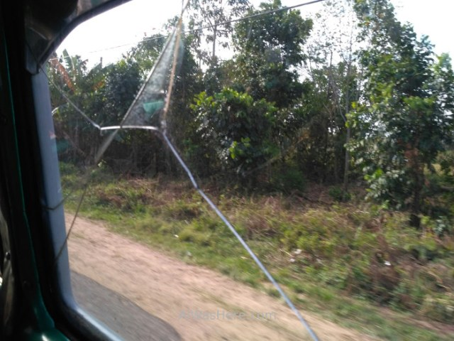 4. Cristal ventanilla taxi colectivo Cuba window
