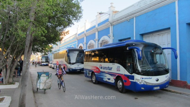 Autobuses guaguas transtur Conectando Cuba Trinidad