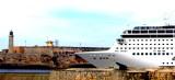 Crucero saliendo del puerto de la Habana