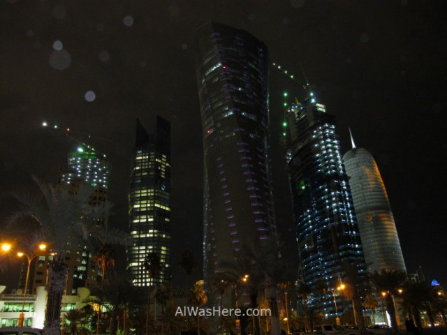 Doha 11. Lloviendo sobre los rascacielos del West Bay, Doha, Catar. Raining over the skyscrapers Qatar