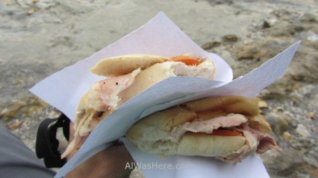 3. Sandwich Cuba puesto kiosk
