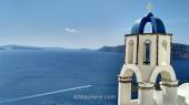 Campanario en Oia, Santorini, Grecia