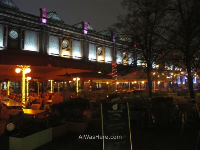 Mitte 1. Restaurantes en la zona de Hackescher Markt, Berlin, Alemania. Germany