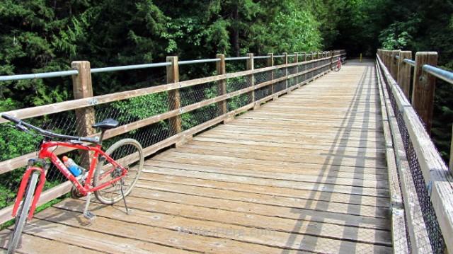 COWICHAN VALLEY TRAIL 10. Holt CreekTrestle, Isla de Vancouver, Columbia Britanica, Canada. Island, British