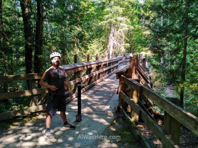 COWICHAN VALLEY TRAIL 6. McGee Creek Trestle, Isla de Vancouver, Columbia Britanica, Canada. Island, British