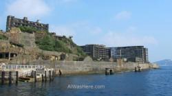 Hashima desde el barco, a punto de llegar al muelle