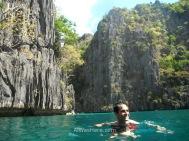 Nadando en la segunda de las Twin Lagoons