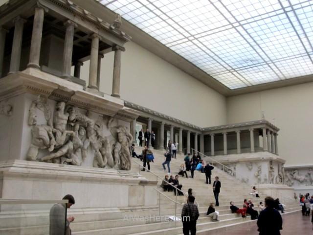 PERGAMO MUSEO 1. altar de pergamo, Berlin, Alemania. Pergamon museum, Germany