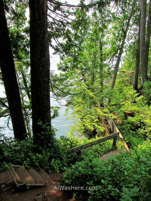 JUAN DE FUCA 34. Escaleras Marine Trail, Isla de Vancouver, Columbia Britanica, Canada. British, Island.