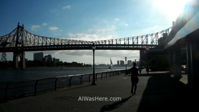 Nueva York running 10. John Finley Walk and Queensboro Bridge East River. New York City
