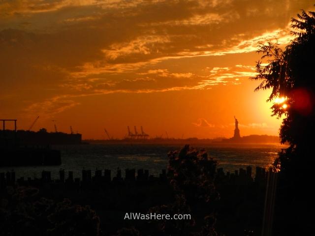 Nueva York running 16. Estatua de la Libertad desde Brooklyn Bridge Park, Statue of Liberty New York City