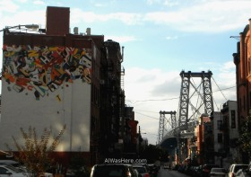 Grafiti en un edificio cerca del Puente de Williamsburg