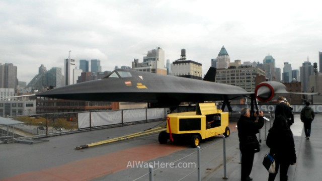 Nueva York Museo intrepido mar aire y espacio 5.Black Bird. Museum air sea, space