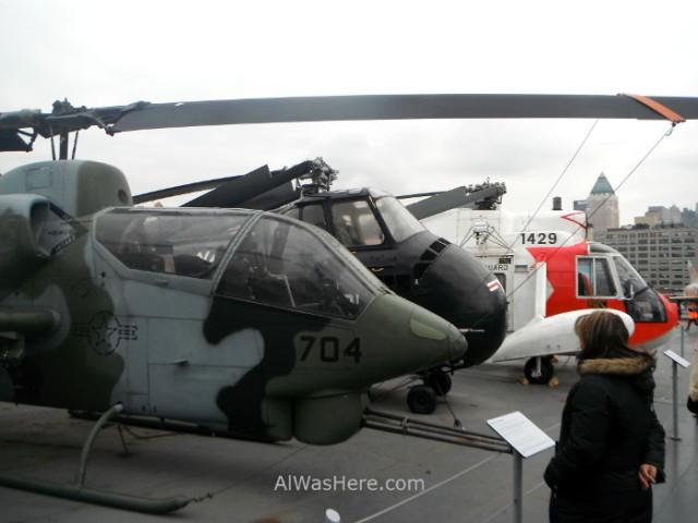 Nueva York Museo intrepido mar aire y espacio 6. Cubierta del portaaviones. Museum air sea, space Helicopteros aircraft carrier