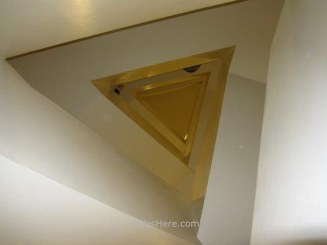 NUEVA YORK MUSEOS ARTE MODERNO 1. escalera Guggenheim alwashere. stairs museum New