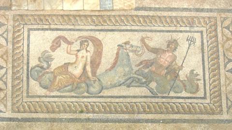 Este es el mejor de todos los mosaicos, también en un suelo