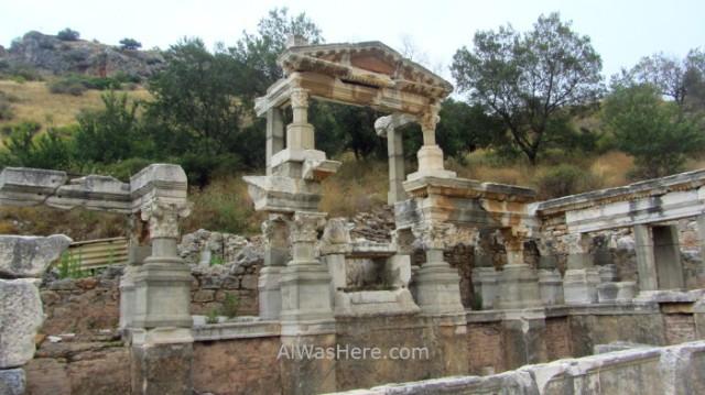 EFESO 9 fuente de Trajano fountain Ephesus Turquia. Turkey.