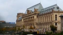 BUCAREST itinerario 1. Centro historico old town, Rumania. Bucharest Romania Piata Unirii Palacio Justicia Justice Palace Mall centro comercial