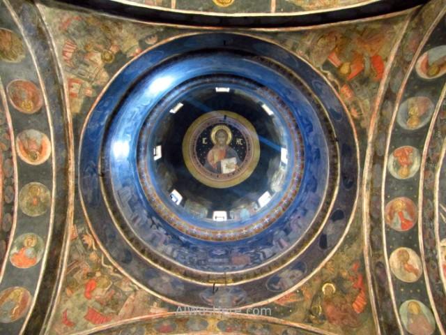 BUCAREST itinerario 3. interior Monasterio Stavropoleos. Monastery church iglesia Centro historico old town, Rumania. Romania Bucharest