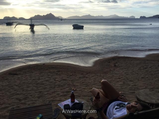 el nido informaciÓn 4. chringuito playa beach bar atardecer en corong corong puesta de sol, sunset dusk palawan filipinas, philippines