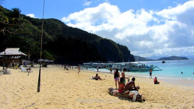 EL NIDO TOUR A Seven Commando Beach, Palawan, Filipinas