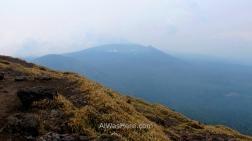 El Shinmoedake visto desde la cima del Karakunidake
