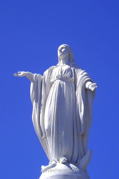 SANTIAGO DE CHILE 1. Cerro San Cristobal Parque Metropolitano Virgen Maria Inmaculada Concepcion estatua statue virgin Mary