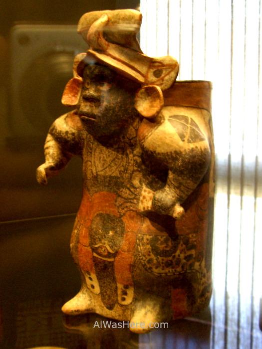 SANTIAGO DE CHILE 4. Museo Chileno de Arte Precolombino. Chilean museum of precolumbian art (2)