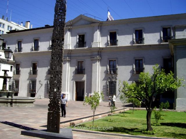 SANTIAGO DE CHILE 7. Palacio de la Moneda patio interior yard