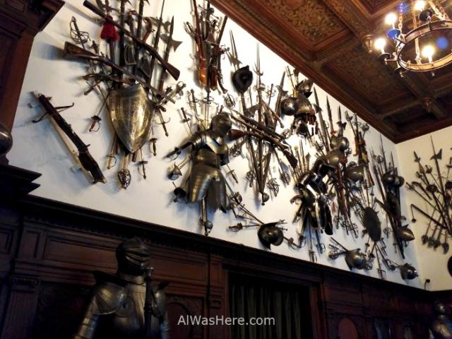 CASTILLO DE PELES 2. sala de armas arms room castle, Sinaia Rumania Romania