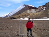 Haciendo trekking en el Tongariro Alpine Crossing