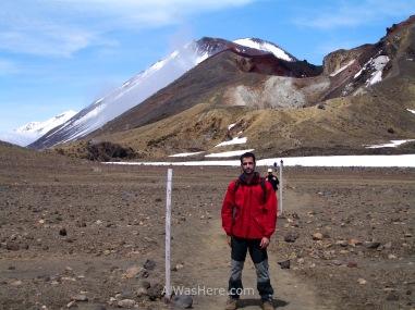Haciendo trekking en el Tongariro Alpine Crossing