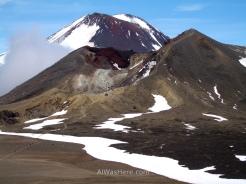 Vista del Ngauruhoe y el Cráter Rojo desde el Lago Azul