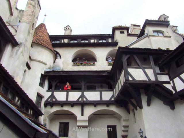 CASTILLO DRACULA 7 patio interior inner yard Bran Castle Transilvania Rumania Transylvania Romania (2)