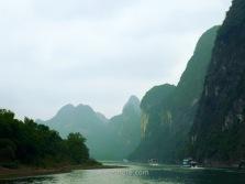 Las montañas aumentan y aparecen los primeros acantilados