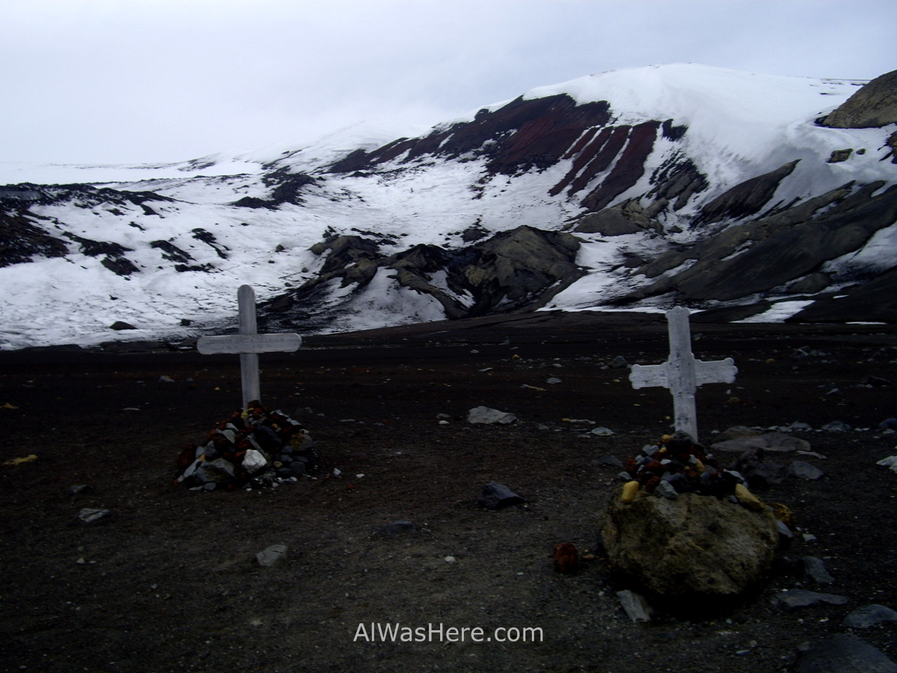 Antártida 2 Deception Island Decepcion Antarctica cementerio cemetery